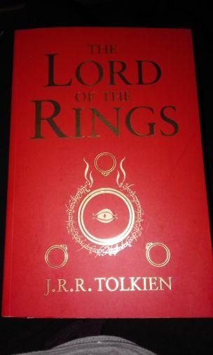 Splendida cover dell'edizione inglese.