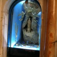 Il pastore, la Madonna e il Frassino | Storia della statuina mariana che apparve nel 1510 (e di quel che è venuto dopo)